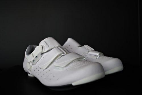 fotografia produktowa butów shimano